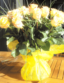 yellow rose bouquet hand tied order flowers online little flower shop florist london-min