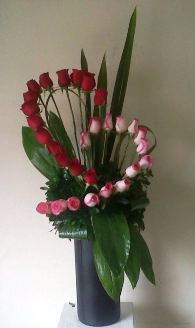 the-little-flower-shop-red-and-pink-flowers-valentines-day-flowers-florist-london-flower-delivery-flower-shop-flowers-red-roses